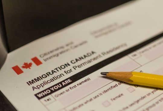 Number of employed immigrants in Canada reaches new high, even as more are welcomed in