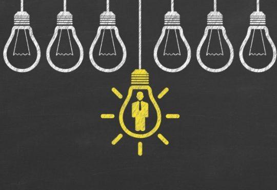 lightbulbs drawn on chalkboard