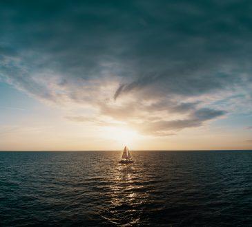 sail boat sailing