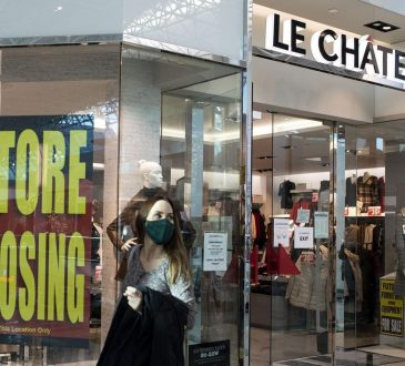 Le Chateau with store closing sign in mall